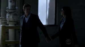 Jane & Lisbon hold hands