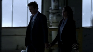 Jane & Lisbon hold hands 2