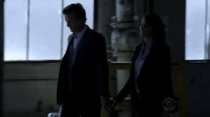 Jane & Lisbon hold hands 2