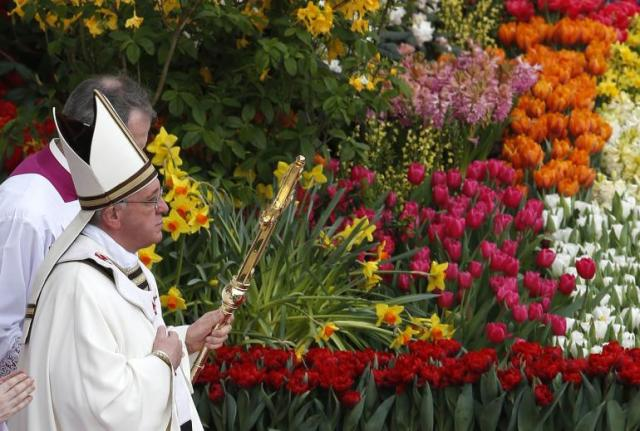 pope-francis-leads-easter-mass-st-peters-square-vatican