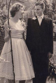1959-papa-mama-engaged-4