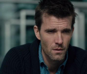 shoot-the-messenger-lucas-bryant-5