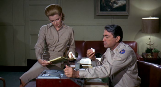 Captain Newman MD Gregory Peck (2)