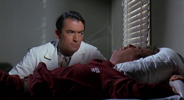 Captain Newman MD Gregory Peck (7)