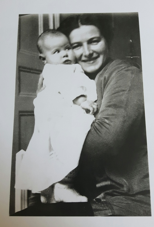 Ingrid Bergman 02 - baby