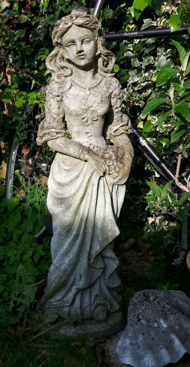 Statues11