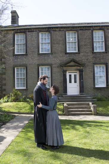 Nadia-Clifford-Jane-Eyre-Tim-Delap-Rochester-in-Haworth-photos-by-Ellie-Kurttz-14