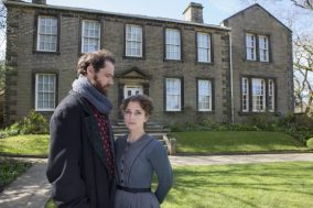 Nadia-Clifford-Jane-Eyre-Tim-Delap-Rochester-in-Haworth-photos-by-Ellie-Kurttz-9-580x387