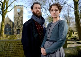 Nadia-Clifford-Jane-Eyre-Tim-Delap-Rochester-in-Haworth-photos2