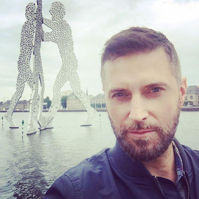 2017-1203 RA selfie 2