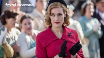 Showcase_APTCH_S5_E10_Regina_Clapping
