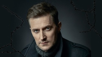 TheirLostDaughters-RichardArmitage01