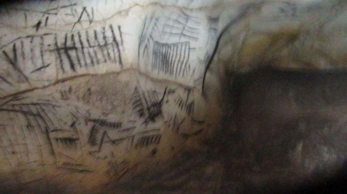 01 Pileta cave (7)