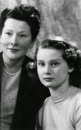 Young-Audrey-Hepburn-12