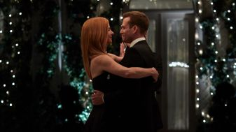Suits S09E10 finale (226) Suits_gallery_910_SarahRafferty_GabrielMacht_16_1920x1080