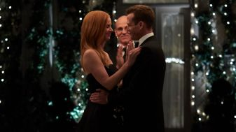 Suits S09E10 finale (226) Suits_gallery_910_SarahRafferty_RayProscia_GabrielMacht_17_1920x1080