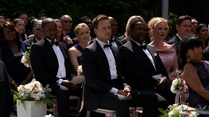 Suits S09E10 finale (78) Suits_gallery_910_DuleHill_AmandaSchull_PatrickJAdams_WendellPierce_KatherineHeigl_25_1920x1080