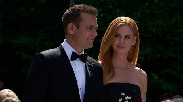 Suits S09E10 finale (78) Suits_gallery_910_GabrielMacht_SarahRafferty_26_1920x1080_0