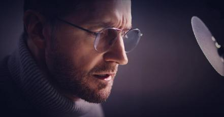 Richard Armitage glasses Audible Dec 2018