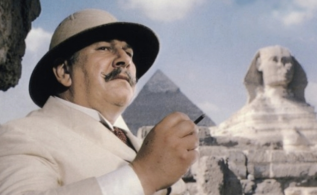 death-on-the-nile-poirot-peter-ustinov-1406643155